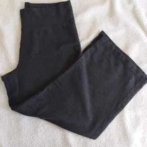 Lululemon womans cropped pants